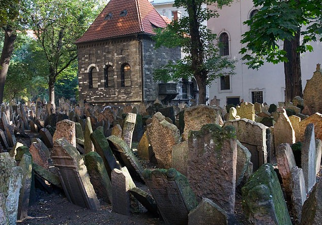 Staroye yevreyskoye kladbishche v Prage - «Bet Khaim» (Dom zhizni) - vtoroye stareysheye yevreyskoye kladbishche v Yevrope